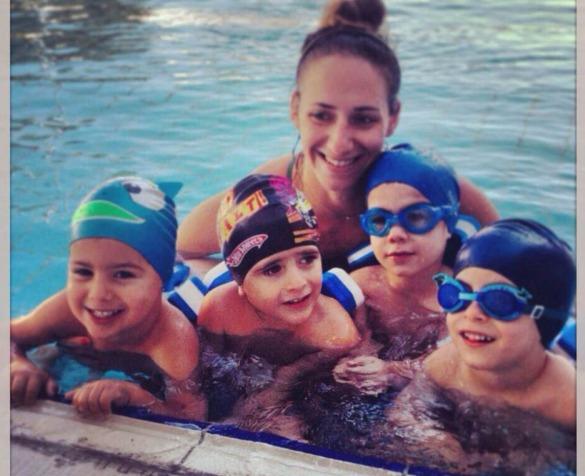 maurelou swimming