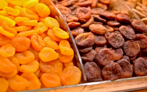 7 Αποξηραμένα Φρούτα που σας Προστατεύουν