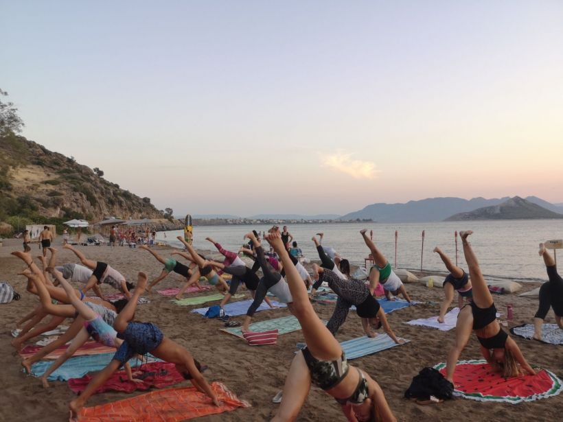 beach yoga Aegina