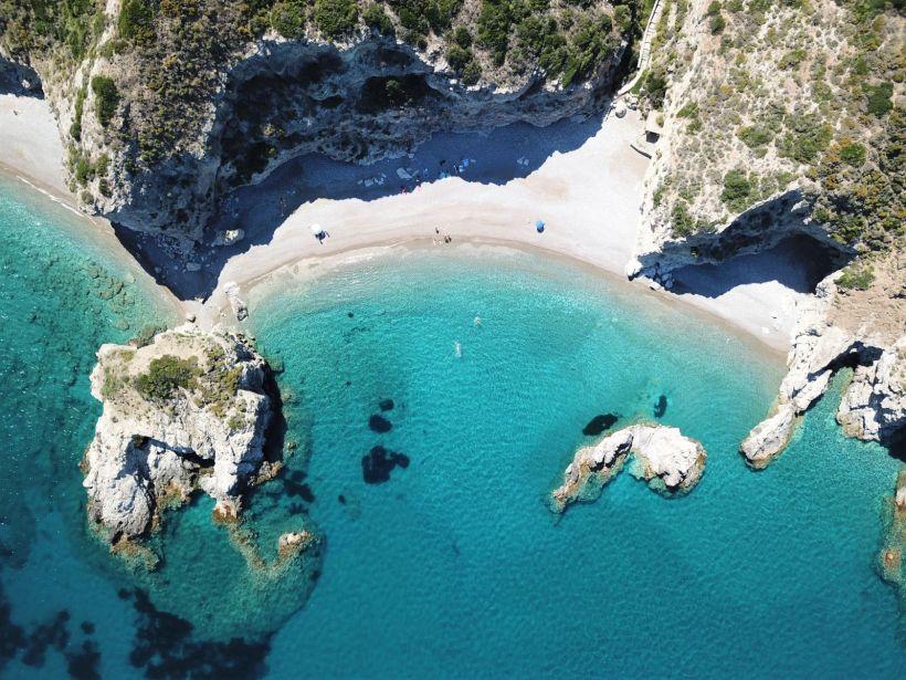 Τα 5+1 Καλύτερα Νησιά για Γιόγκα και Διακοπές στην Ελλάδα