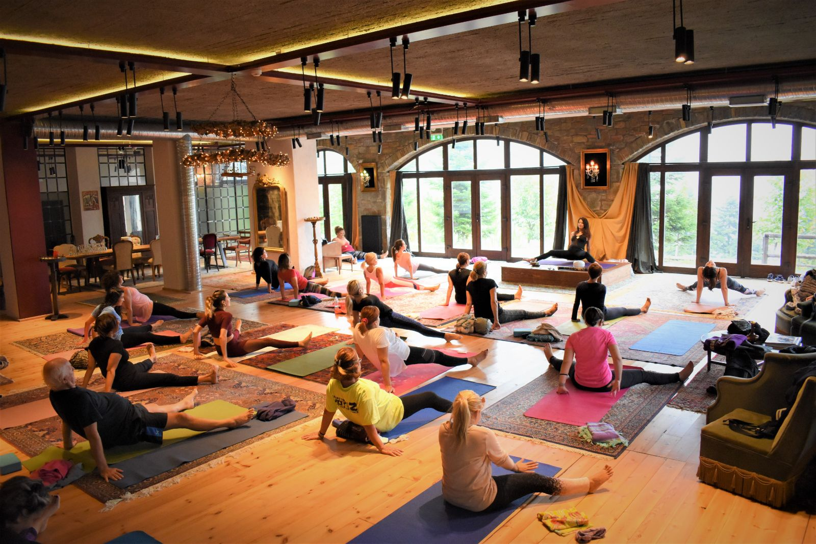yoga retreat montanema